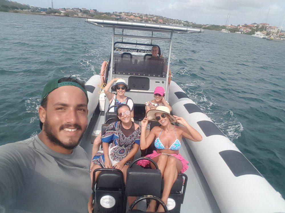 Power up your day! Ontdek de oostkust van Curacao in 2,5 uur met de Powerboat