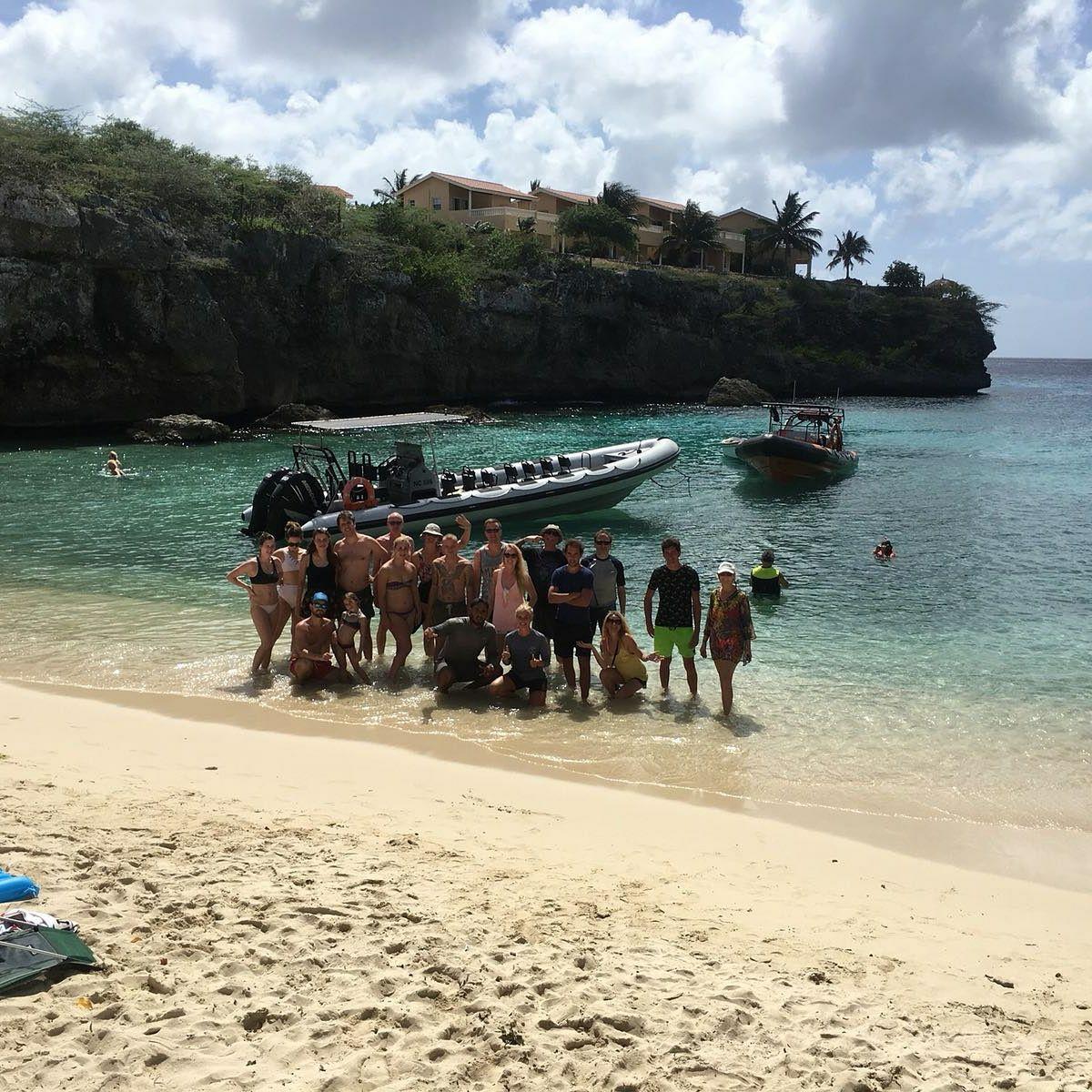 Ontdek de Westkust met de Powerboat: beach-hopping, schildpadden en de Blauwe Kamer!